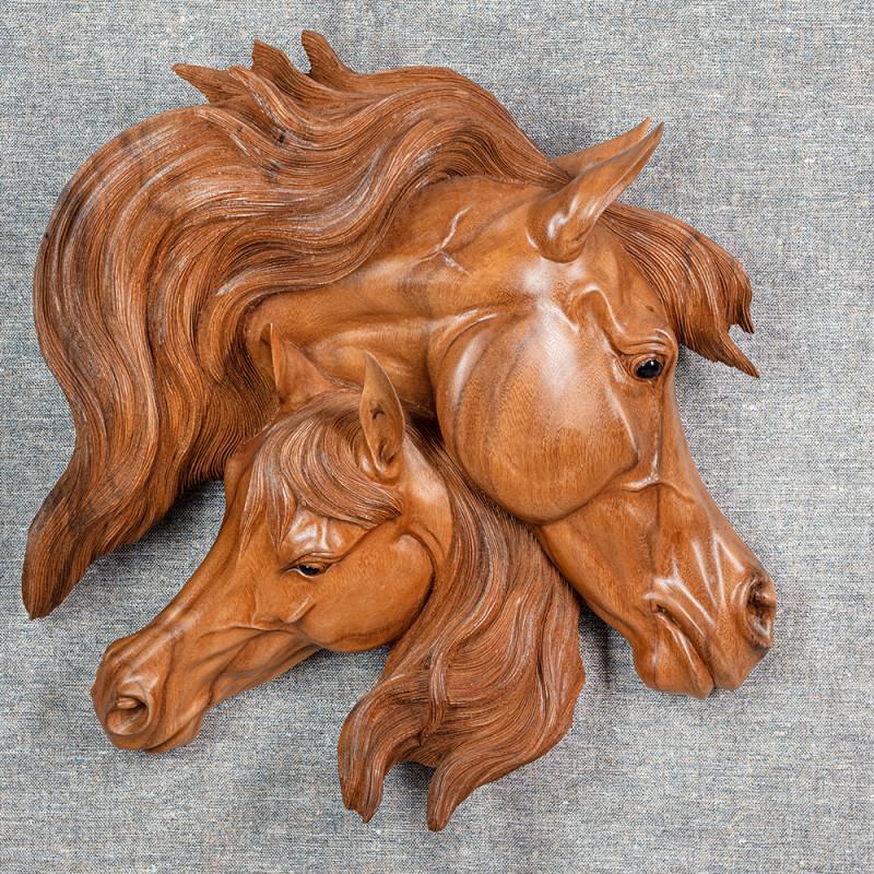Wandrelief Pferdepaar hell